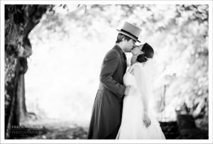 Photos des mariés au Château de Villiers le Mahieu