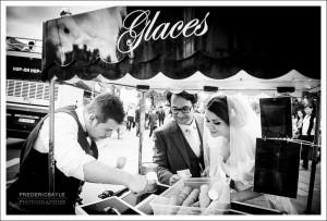 Mariage à Paris, les mariés dans les rues de la capitale