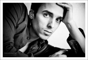 Portrait de jeune homme en gros plan, Paris