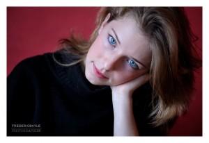 Portrait en situation de jeune fille