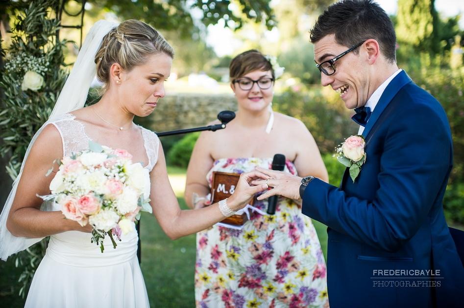 le moment des alliances du mariage