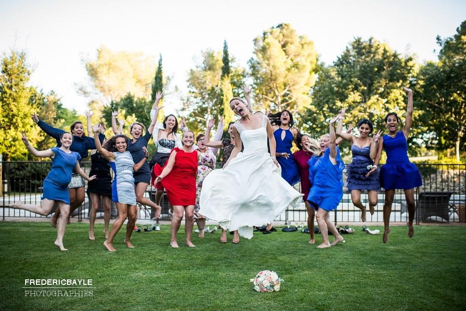 photos de la mariée avec ses demoiselles d'honneur