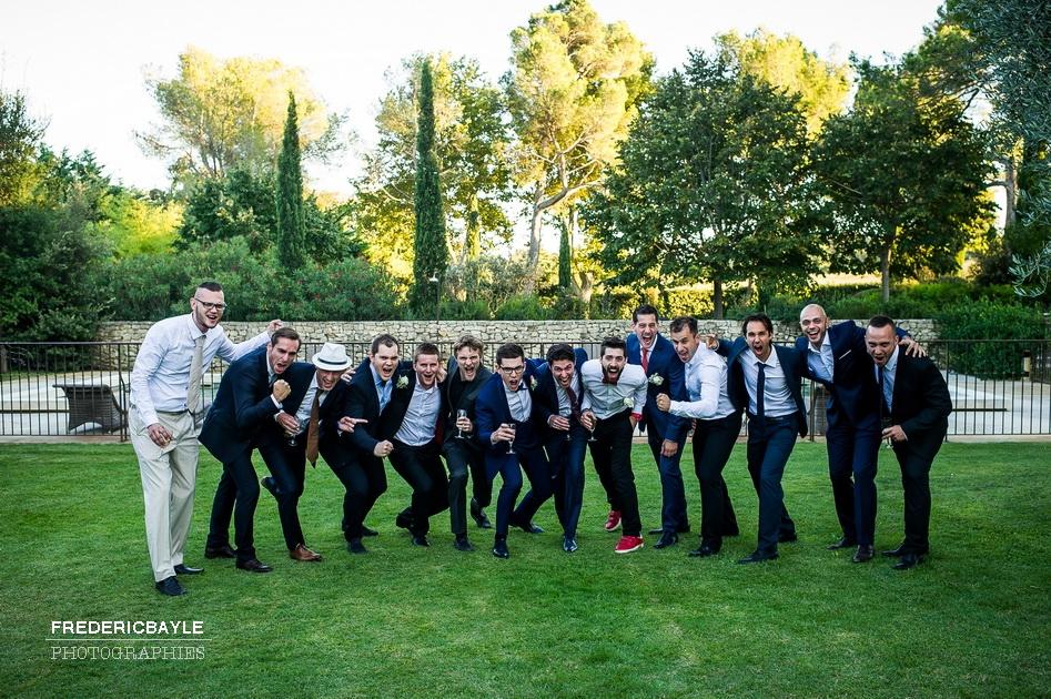 photo de groupe du marié avec ses copains