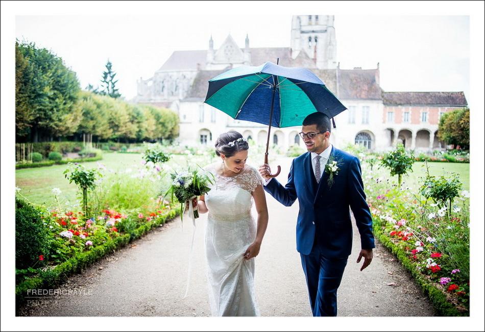 un mariage à Meaux sous la pluie
