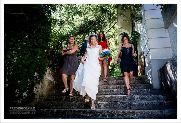 Départ de la mariée avec ses demoiselles d'honneur