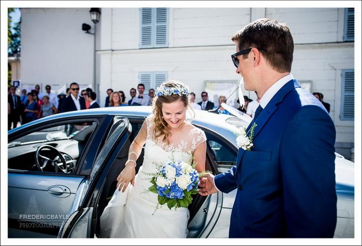 Arrivée de la mariée à la mairie de Saint-Rémy-Les-Chevreuse