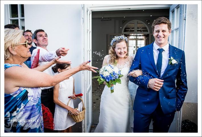 Sortie des mariés de la salle des mariages