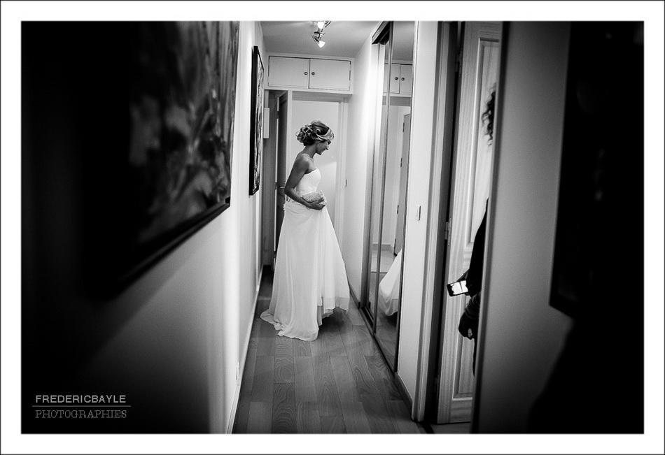 La mariée est prête pour la rencontre avec son futur mari