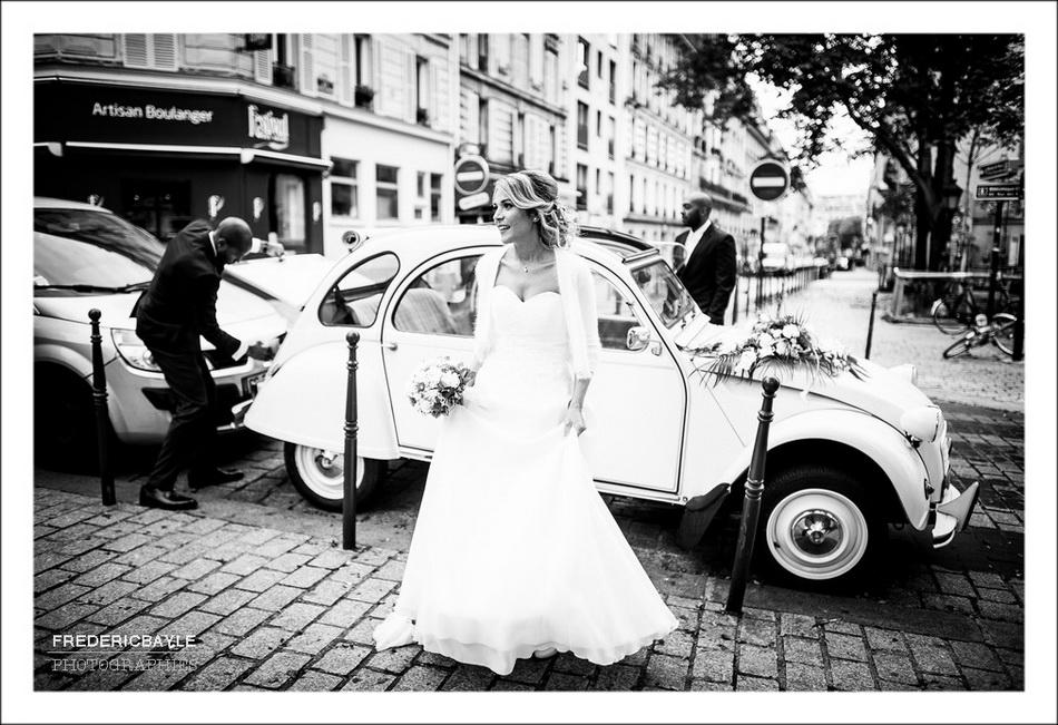 Arrivée des mariés à l'église de Belleville à Paris
