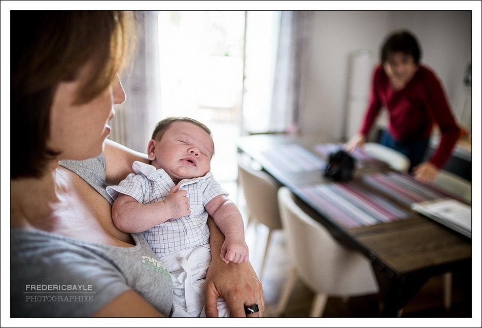 photographe famille Paris : bébé avec ses parents