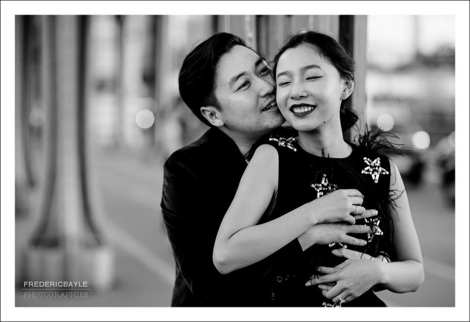 photos de femme chinoise embrassée par son mari