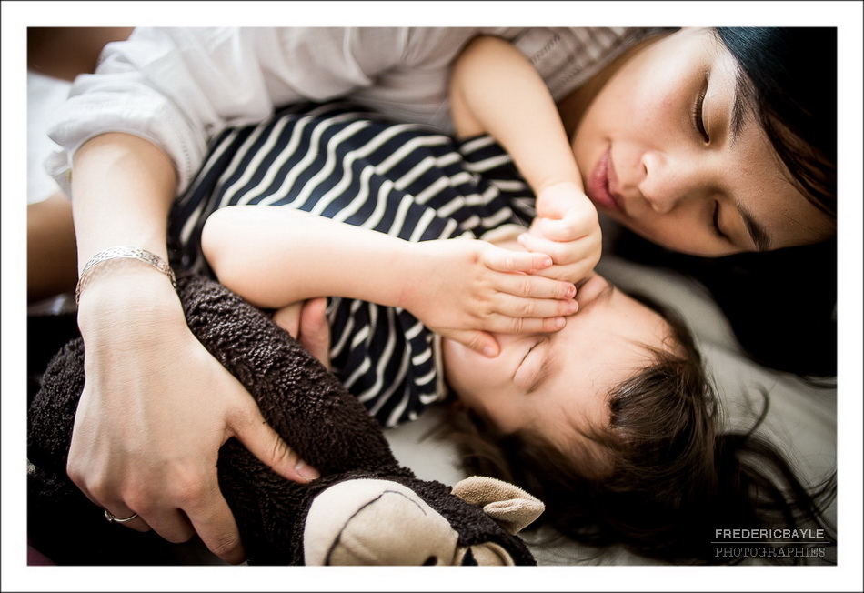 séance de calin avec maman pour sa grossesse