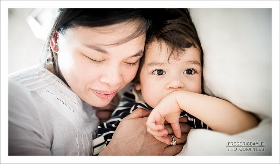 photos en noir et blanc de maman avec sa fille Naomi