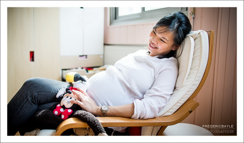 photos de grossesse, maman dans son rocking chair