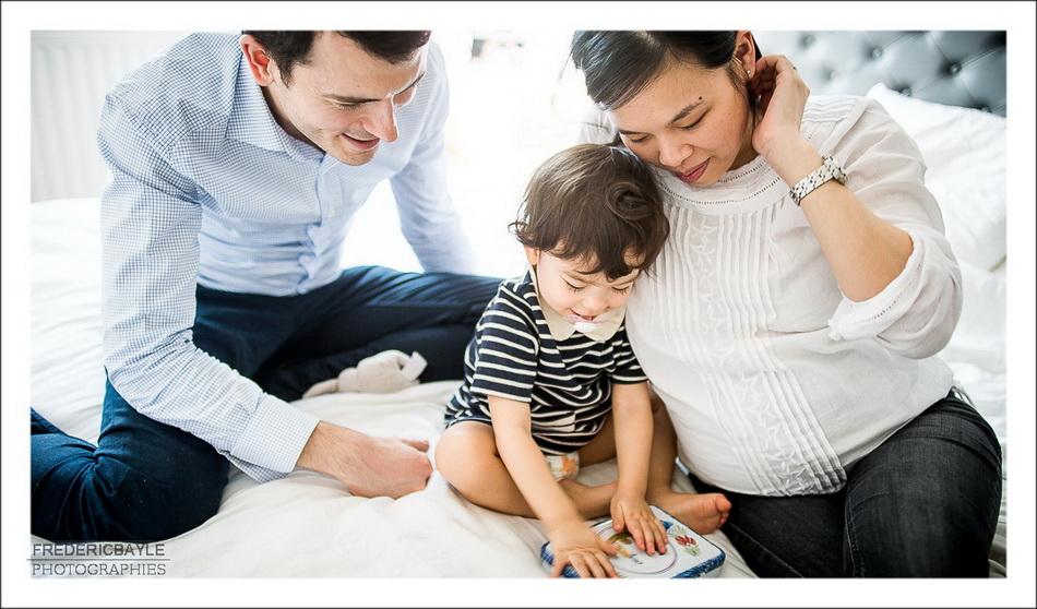 photos de famille avec les parents et leur enfant
