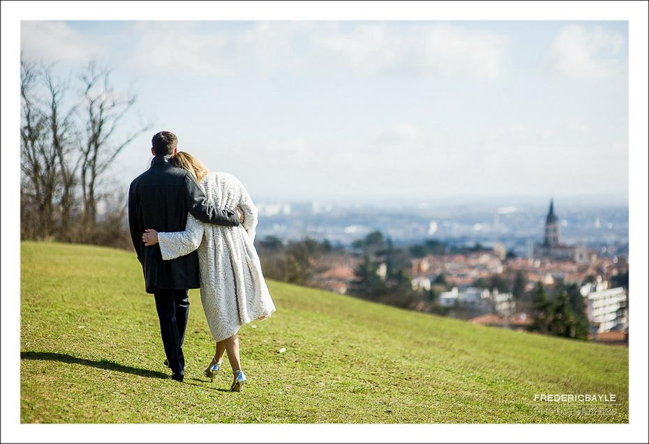 photos de couple avec les mariés près de Lyon