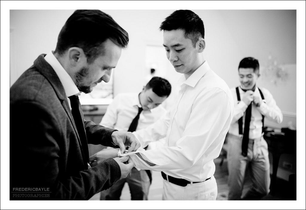 Préparatifs du mariés en noir et blanc