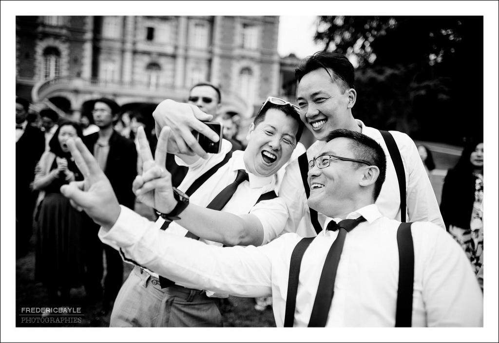 selfi devant le château des garçons d'honneur