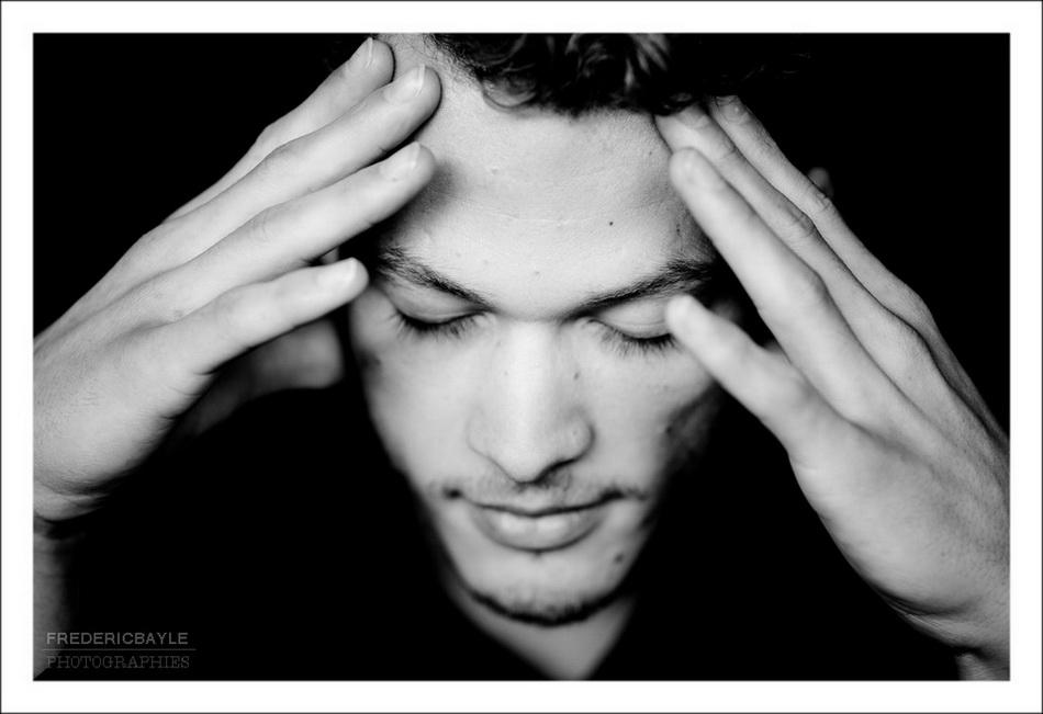 séance photos de portrait avec un écrivain : le sujet yeux clos