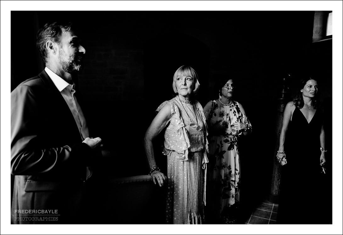 Photos en noir et blanc de la maman du marié