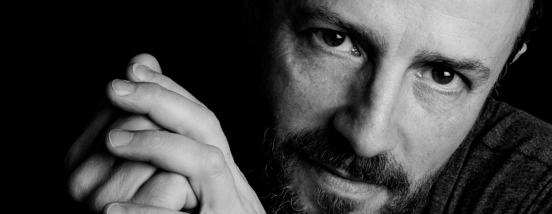 gros plan sur les yeux d'un homme, photographe portrait sur Paris