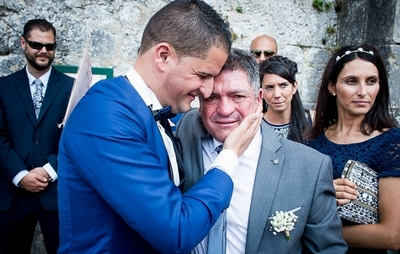 authenticité dans la prise de vue, lémotion du marié avec son père