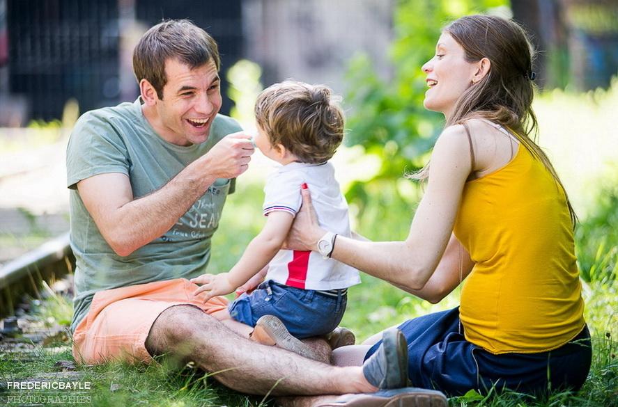 reportage famille en extérieur à Paris
