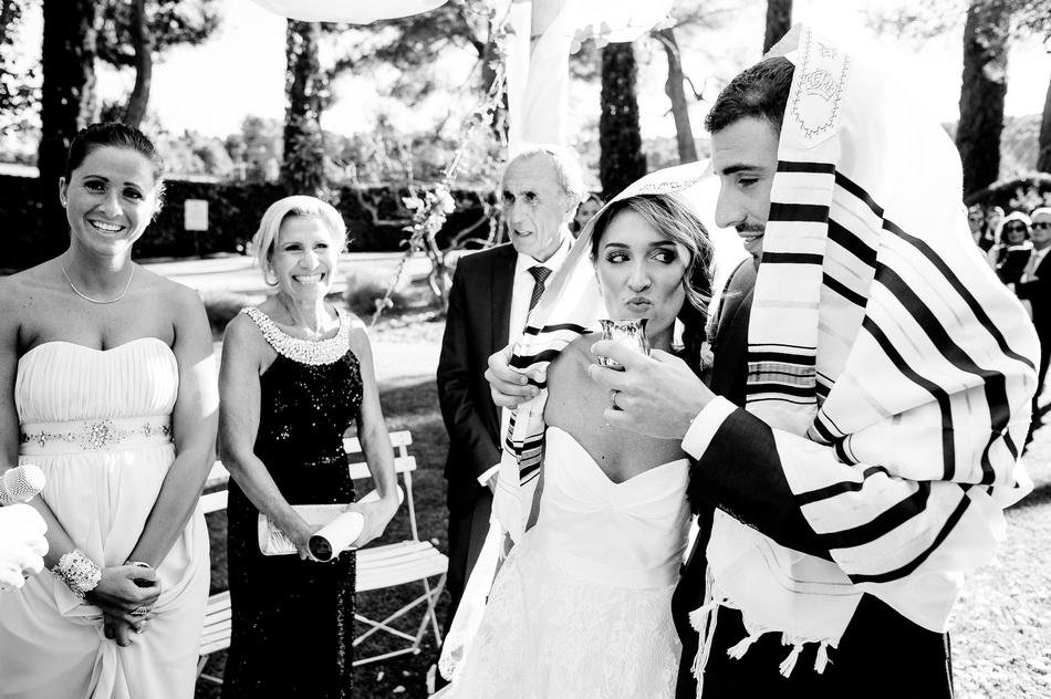 cérémonie religieuse juive dans le parc du Château de la Tour Vaucros en Provence