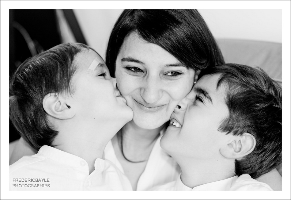 maman et ses trois enfants