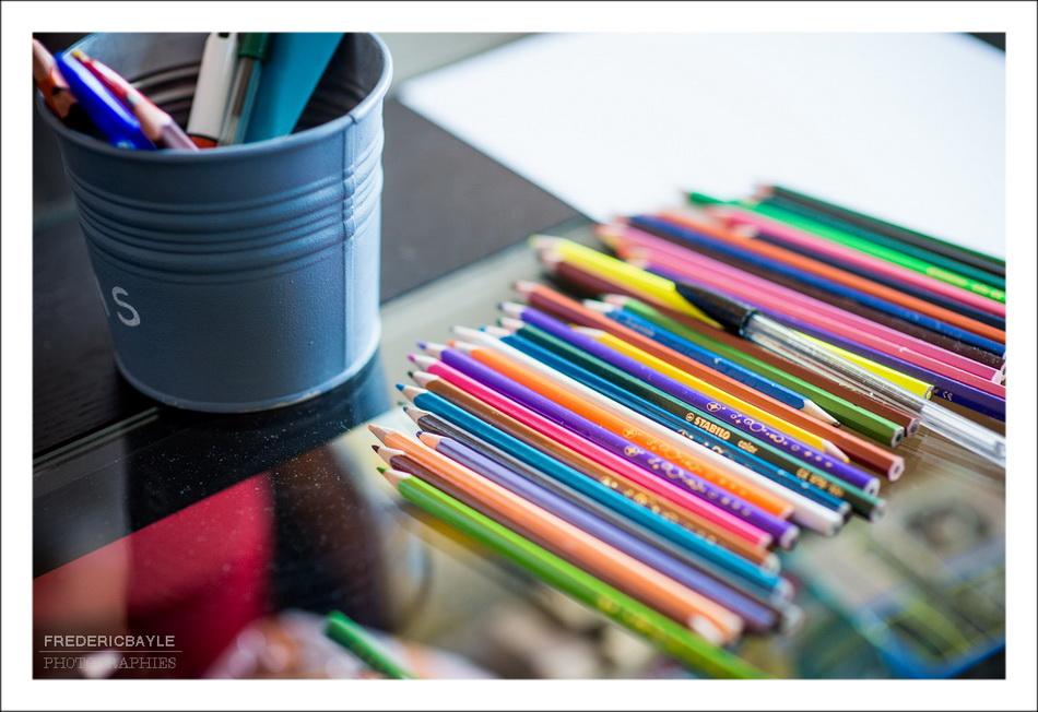 les crayons pour dessiner durant cette séance photos bébé